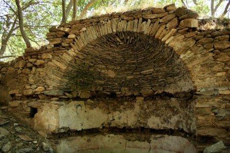 """Останките от църквата """"Свети Димитър"""" (снимка Румен Жерев)"""